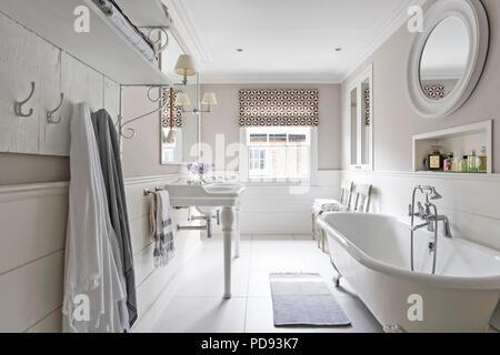 Vasca Da Bagno In Francese : Un bagno di lusso con uno stile vittoriano vasca da bagno foto