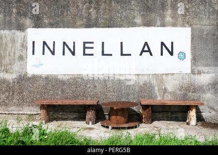 Segno a Scottish città costiera di Innellan in Argyll and Bute Foto Stock