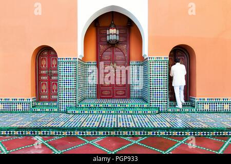 Piastrelle marocchine esterno: emilceramica #square cemento lappato
