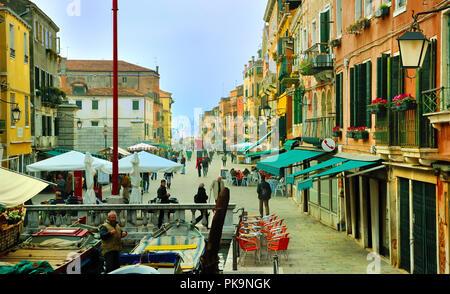 Vista su Via Giuseppe Garibaldi, Castello, Venezia Foto Stock