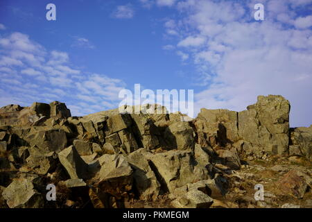 Imponenti rocce del Monte Achtermann, Harz montagna nel Parco Nazionale di Harz, Bassa Sassonia, Germania. Foto Stock