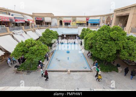 Seray-e Moshir caravanserai, Vakil bazaar, Shiraz, Iran Foto Stock