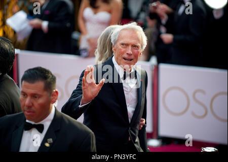 """Clint Eastwood, Oscar® nominee per foto migliori, per lavorare su """"American Sniper"""" arriva per il live ABC teletrasmesso del 87th Oscar® al Dolby® Theatre di Hollywood, CA domenica 22 febbraio, 2015. Riferimento al file # 32566_671THA per solo uso editoriale - Tutti i diritti riservati Foto Stock"""