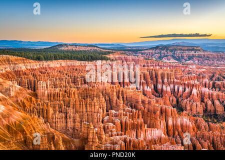 Parco Nazionale di Bryce Canyon, Utah, Stati Uniti d'America all'alba. Foto Stock