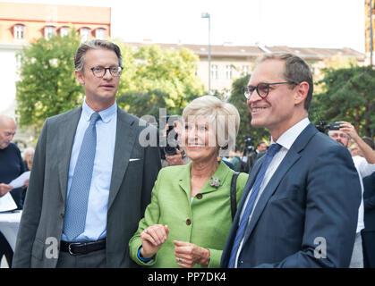 Da sinistra a destra: Axel Springer Sven (nipote di l ...