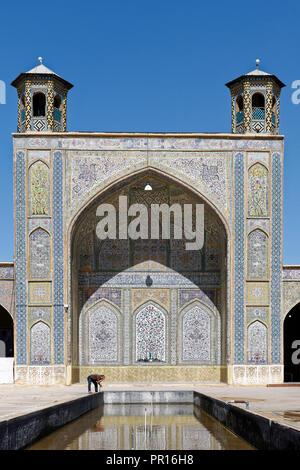 La Moschea Vakil situata ad ovest della Vakil Bazaar, Shiraz, Iran, Medio Oriente Foto Stock