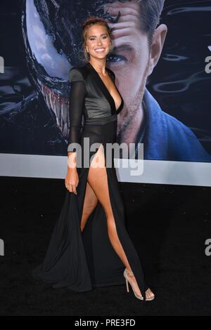 """LOS ANGELES, CA. Ottobre 01, 2018: Kara Del Toro al premiere mondiale per """"Venom"""" al Regency Village Theatre. Immagine: Paul Smith/Featureflash Foto Stock"""