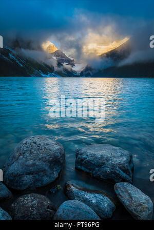 Il lago Louise è un lago glaciale all'interno del Banff National Park, in Alberta, Canada