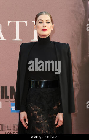 Rosamund Pike, una guerra privata - Premiere europeo, BFI London Film Festival, Leicester Square, Londra, UK, 20 ottobre 2018, Foto di Richard Goldschmidt Foto Stock