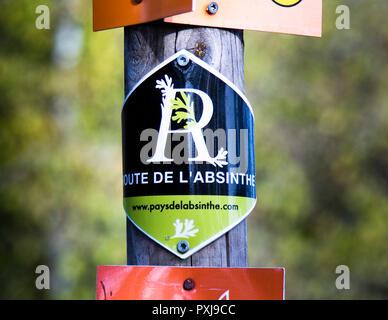 Route de l'Assenzio in Francia e Svizzera. Sulla Route de l'Assenzio si può fare un'escursione nella storia movimentata dell'assenzio. A soli 48 km da Pontarlier nella regione della Franca Contea a Noiraigue in Svizzera.