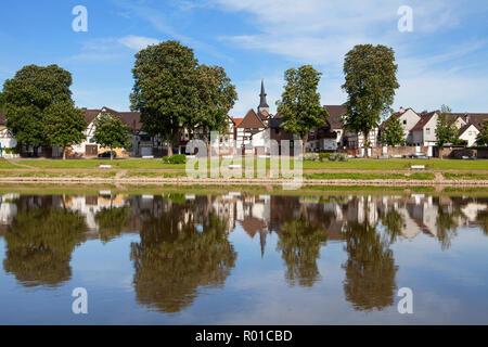 Paesaggio di Bodenwerder, luogo di nascita del barone Muenchhausen, Weserbergland, Bassa Sassonia, Germania, Europa Foto Stock