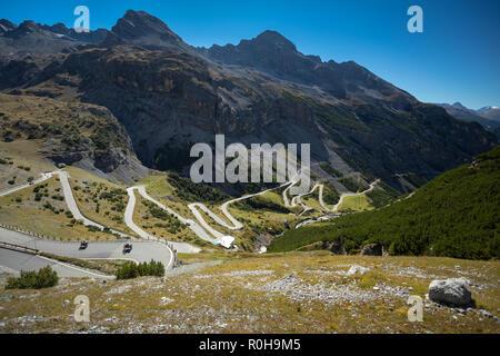 Passo dello Stelvio, la più alta montagna pavimentate passano nelle Alpi Orientali (2757m), Italia Foto Stock