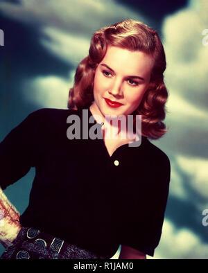 Carroll Baker (nato il 28 maggio 1931) è un pensionato actrice americano di film, stadio, e televisione. In tutto gli anni cinquanta e sessanta, panettiere gamma di ruoli da ingenui ingÈnues di insolente e donne fiammeggiante ha stabilito il suo come sia un grave attrice drammatica e un pin-up. Dopo aver studiato con Lee Strasberg all'protagonisti Studio, Baker ha cominciato ad esibirsi a Broadway nel 1954, dove fu reclutato dal regista Elia Kazan per svolgere un ruolo guida nel film di Tennessee Williams Baby Doll (1956). Il suo ruolo nel film come sessualmente repressa sposa meridionale guadagnato il suo premio BAFTA e la nomination all Oscar per la migliore