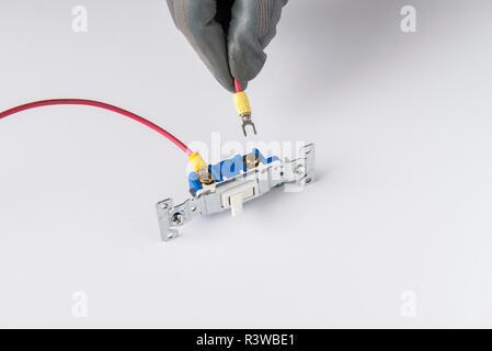 110V alimentazione interruttore luce , residenziale dispositivo elettrico per accendere e spegnere le luci a casa. Foto Stock