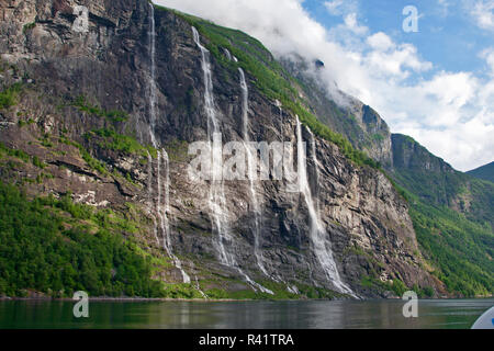 Fiordo di Gerainger, Norvegia, Sette sorelle cade, cascate, Foto Stock
