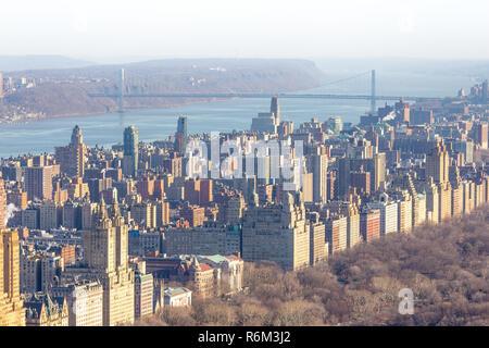 Vista aerea di Upper West Side e George Washington Bridge Foto Stock