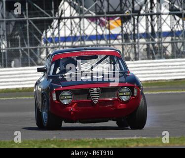 Andrew banche, Max banche, Alfa Romeo Giulia Sprint GTA, U2TC, al di sotto di 2 litro touring cars, Warwick banche trofeo, Silverstone Classic 2015, Chris McEvoy, Foto Stock