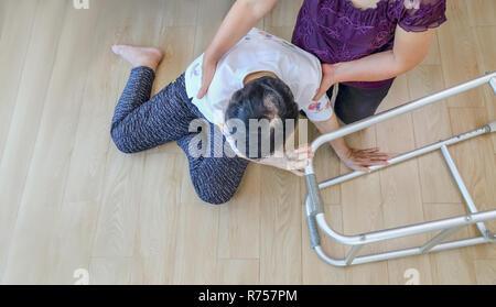 Donna anziana caduta in casa ,gli infarti.