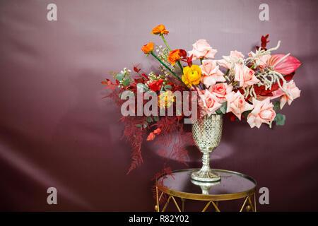 Composizione di fiori. Sfondo astratto di fiori. Foto Stock