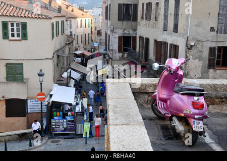 Il Pink Scooter Foto Stock