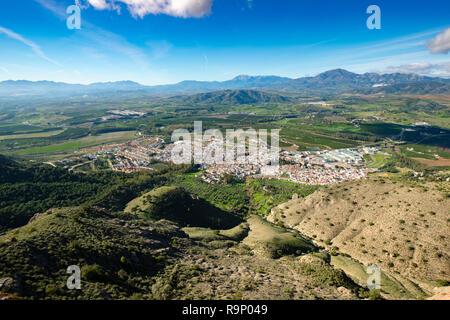 Vista panoramica, città di Antequera. La valle del Guadalhorce. Provincia di Malaga Costal del Sol. Andalusia, Spagna meridionale. Europa Foto Stock