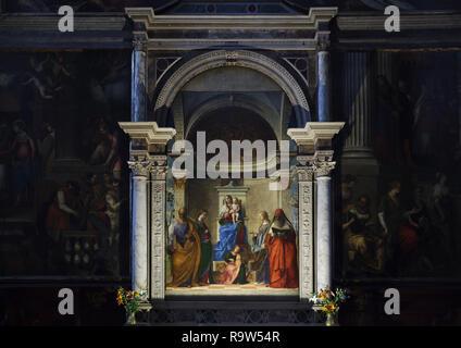 San Zaccaria Pala del Rinascimento italiano pittore Giovanni Bellini (1505) che si trova nella chiesa di San Zaccaria (Chiesa di San Zaccaria a Venezia, Italia. Foto Stock