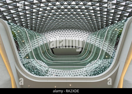 Atrium nell'edificio SAHMRI in Adelaide. La South Australian salute e istituto di ricerca medica Foto Stock