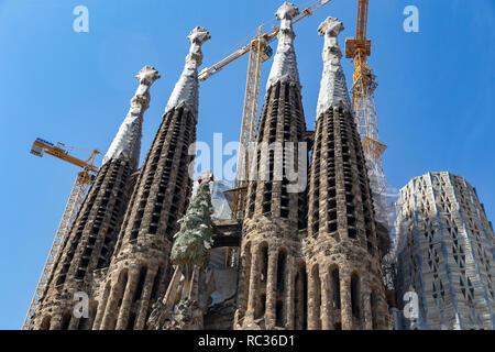 La Sagrada Familia vista frontale, progettato da Antoni Gaudi, UNESCO, barcellona catalogna (Catalunya), Spagna