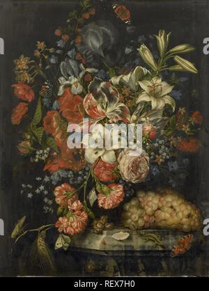 Natura morta con fiori e frutta. Dating: 1671. Misurazioni: h 66 cm × W 50 cm; d 3,5 cm. Museo: Rijksmuseum Amsterdam. Autore: Ottmar Elliger (I). Foto Stock