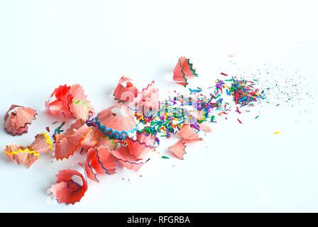 La polvere di colore della matita e trucioli dalla matita colorata Foto Stock