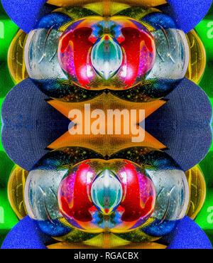 Colorato luminoso astratto simmetrica immagine artistica realizzata da round /curvo in legno, vetro, elementi metallici Foto Stock