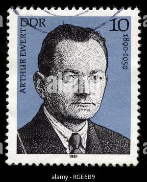Con timbro postale timbro dalla Germania Est (DDR) nella personalità del lavoro tedesco serie di circolazione emessi nel 1981