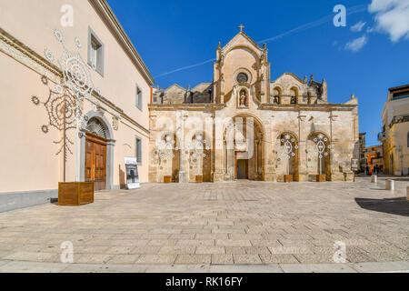 Il San Giovanni Battista chiesa parrocchiale, una delle più importanti chiese di Matera, situato fuori dal centro storico di Matera, Italia Foto Stock
