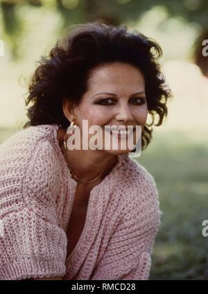 Claudia Cardinale (nato 1938), un'attrice italiana.