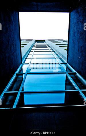 Abstract moderna architettura blu Foto Stock