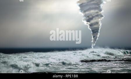 Tempesta di pericolose con potenti Tornado Tornado oltre l'oceano sullo sfondo. Condizioni meteorologiche estreme, i cambiamenti climatici e il riscaldamento globale concetto montage. Foto Stock