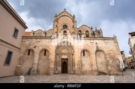 La chiesa in stile romanico Parrocchia di San Giovanni Battista chiesa parrocchiale (chiesa). San Giovanni Battista. Matera, Basilicata, Puglia, Italia Foto Stock
