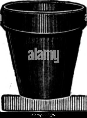 . Fioristi' review [microformati]. Floricoltura. 92 i fioristi' Riesaminare OCIOBBB 8, 1914. Cinque NmiON fioriere in vendita abbiamo un immenso stock di vasi di fiori per pronta consegna. Abbiamo tutti i mezzi di fabbricazione economica. Noi abbiamo la nostra terra di legname nel raggio di un miglio dal nostro stabilimento, e rendere le nostre casse nel nostro mulino. Nessun addebito per le casse. La nostra pentola è di qualità migliore. I nostri prezzi sono a destra. Possiamo ottenere la vostra azienda se si figura con noi. Il MT. Galaad POTTERY CO., MT. Galaad. OHIO atto di citazione* ?? Nuovo. Parlare di Tha Berlew quando yon scrivere. INDIANAPOLIS, IND. Il mercato. Il commercio ha migliorato negli ultimi t Foto Stock