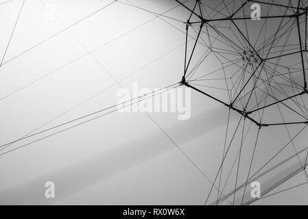 Una spider web realizzato da un essere umano Foto Stock