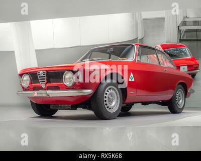 ARESE, ITALIA-febbraio 13, 2019: 1965 Alfa Romeo Giulia Sprint GTA in Alfa Romeo Museum (Museo Storico Alfa Romeo) Foto Stock