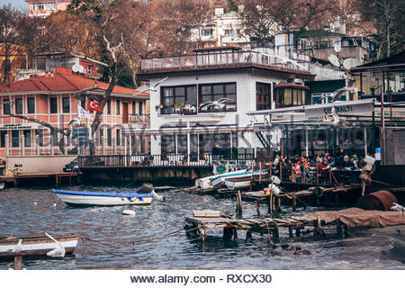 Istanbul, Turchia - Jan 19, 2008: Cengelkoy bay sul Bosforo a Istanbul Foto Stock