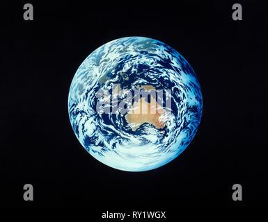 Illustrazione. La terra dallo spazio. Australia, Sud Est asiatico e in Antartide. Foto Stock
