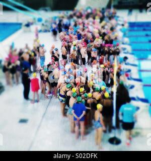Sport Swimathon Rilievo, il Centro Acquatico Nazionale, Stratford, Londra Foto Stock