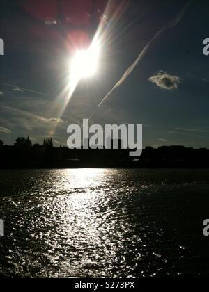 Giornata di sole a Varsavia, per dimostrare che anche nel buio vi è sempre la luce. Foto Stock