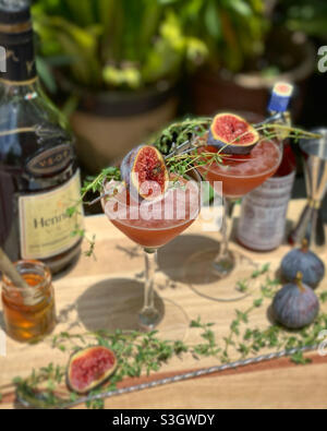 Visita @intoxzhicated su Instagram per la ricetta. Cocktail di fico e brandy.