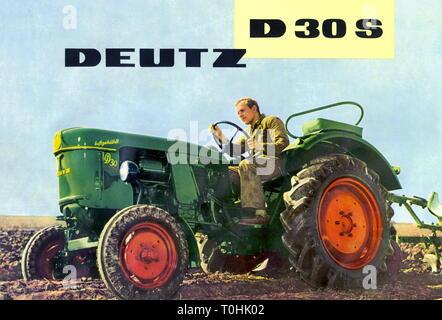 Agricoltura, macchina, trazione del motore Deutz, D30, Germania, 1962, agricoltore, coltivatore, raiser, agricoltori, coltivatori, rialzi, agricoltore, agricoltori, trattori, motore di trazione, il trattore, il motore, motori, due cilindri a quattro tempi motore diesel, motore diesel, motori diesel, gasolio, raffreddati ad aria, a ruota singola sospensione, verde, acro, acri, campo campi, il lavoro sul campo, il lavoro sul campo, dissodamento, tilth, campicoltura, opere, lavorando, lavori agricoli, manodopera agricola, manodopera agricola, Uomo, uomini, guida, agricoltura, allevamento, 60s, il conducente del trattore, motorizzazione, AGRI, Additional-Rights-Clearance-Info-Not-Available Foto Stock