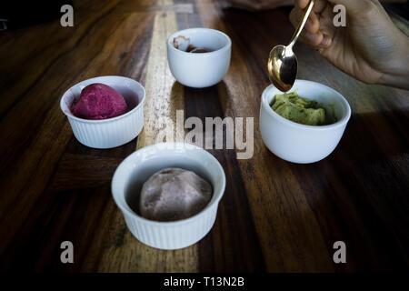 Quattro tipi di sano gelato con gusto delizioso Foto Stock
