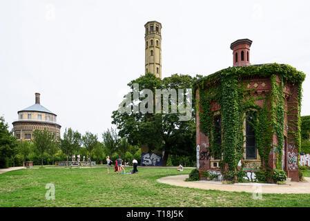 Berlino. Germania. Park am Wasserturm, Prenzlauer Berg. Foto Stock