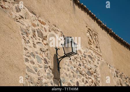 Vecchio stile applique in metallo bloccato per la pietra grezza