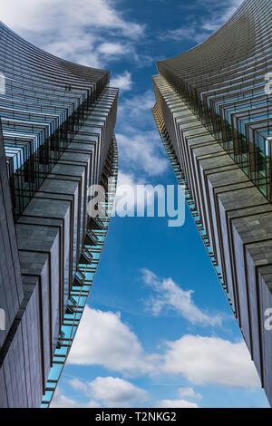 Lo skyline di Milano con i moderni grattacieli di Porta Nuova business district, Italia.